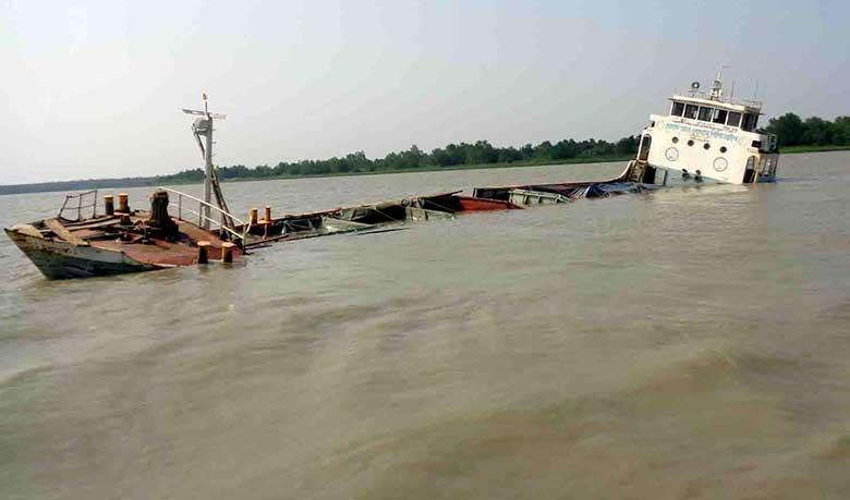 Fertilizer-vessel capsized in Sundarbans