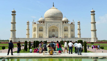 Bangladeshi tourists boom in India