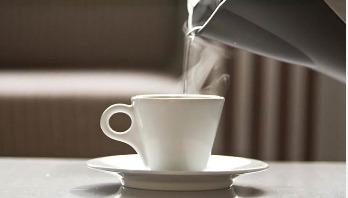 7 surprising benefits of drinking warm water