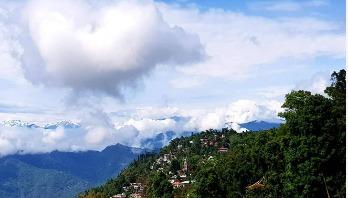 কালিম্পং : জীবন খুঁজে পাবি ছুঁটে ছুঁটে আয়