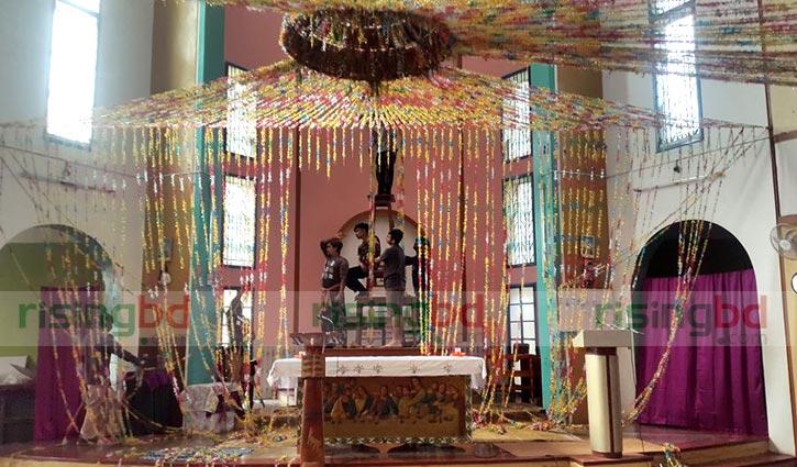 বড়দিন : পাবনার খ্রীস্টান পল্লীতে উৎসবের আমেজ
