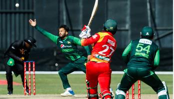 ১৩১ রানে জিতল পাকিস্তান