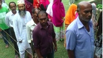 টাঙ্গাইলের বাসাইল পৌরসভা নির্বাচনে ভোট গ্রহণ চলছে