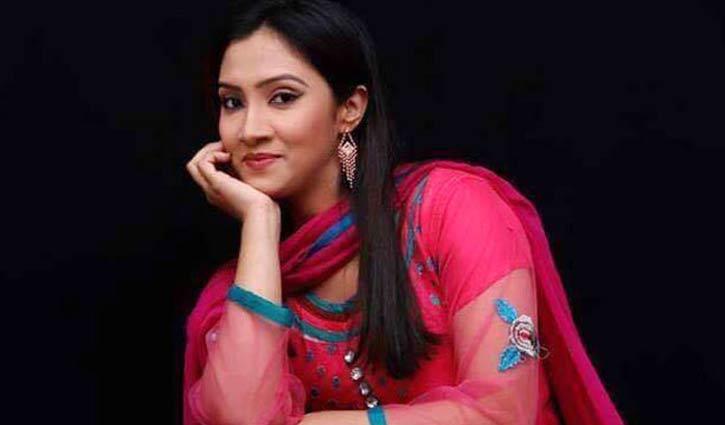 চলচ্চিত্র অভিনেত্রী সাদিয়া রিমান্ডে, স্বামী কারাগারে