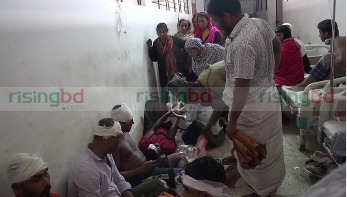 গোপালগঞ্জে দুই বংশের সংঘর্ষে নারীসহ আহত ৩০