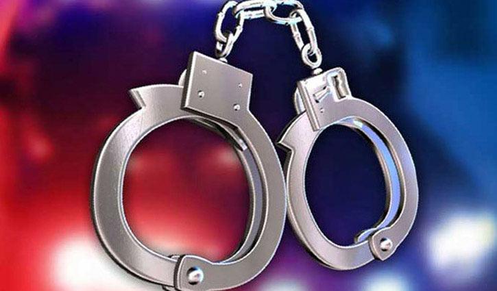4 suspected militants held in city