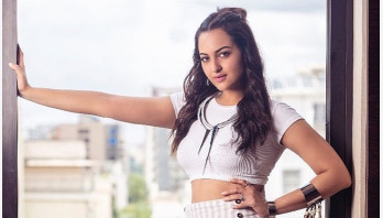 Video of Sonakshi Sinha with handcuffs go viral