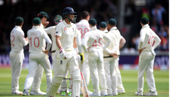 England 258 all out in second Ashes Test