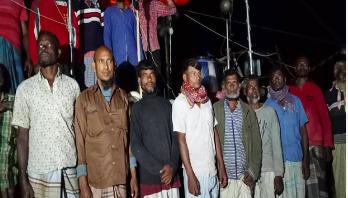 Myanmar sends back 17 Bangladeshi fishermen