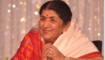 Lata Mangeshkar discharged from hospital