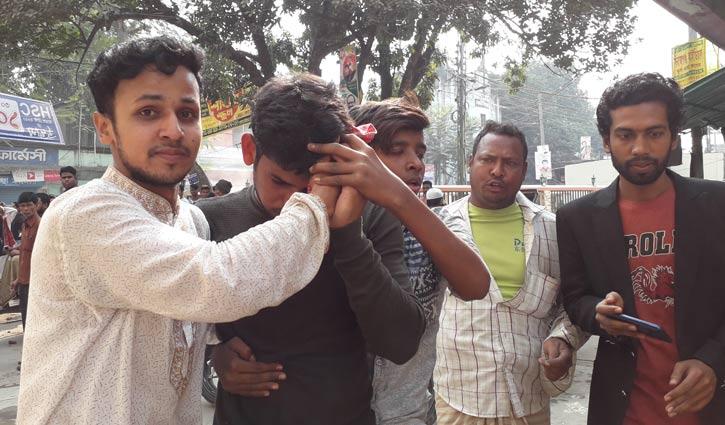 বিজয় র্যালিতে বিএনপির হামলা : ছাত্রলীগ নেতাসহ আহত অর্ধশতাধিক