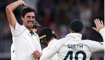 Southee, Wagner take four apiece as Australia post 416