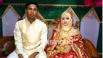 Mustafiz welcomes his bride with blessing-affection