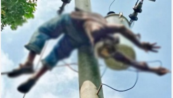 Electrician electrocuted in Rajshahi