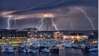 Lightning strikes 1k times in an hour in South England