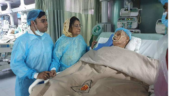 Ershad suffering from breathing difficulties