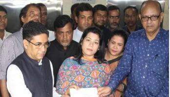 PM donates Tk 10 lakh to ATM Shamsuzzaman