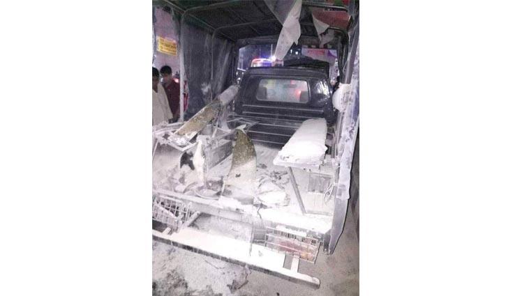ককটেল বিস্ফোরণে নারী পুলিশসহ আহত ২
