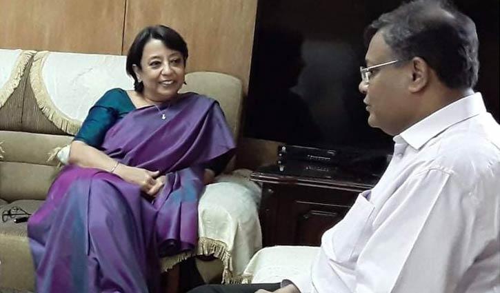 বঙ্গবন্ধুকে নিয়ে চলচ্চিত্র নির্মাণ করছে বাংলাদেশ-ভারত