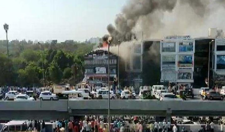 18 students killed in Gujrat coaching centre fire