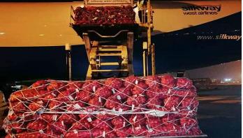 82 tonnes of onion arrives