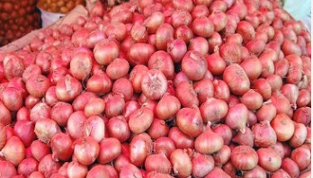 580 tons of onions to be unloaded at Ctg port today