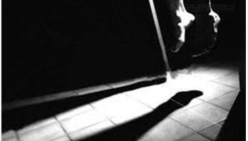 পৃথক ঘটনায় দুই গৃহবধূর ঝুলন্ত লাশ উদ্ধার