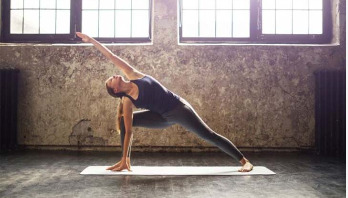 Yoga teachers 'risking serious hip problems'