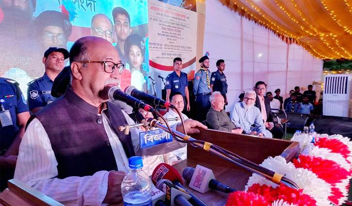 টেকসই উন্নয়নে সরকার কাজ করছে : শিল্পমন্ত্রী