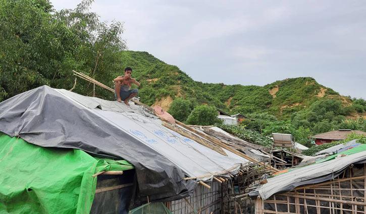 সাইক্লোন শেল্টার না থাকায় আতঙ্কে রোহিঙ্গারা