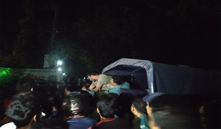 রাবি শিক্ষার্থীকে মারধর, কনস্টেবল প্রত্যাহার