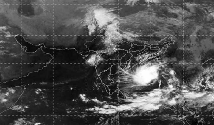 Two dead as Cyclone Bulbul lashes Indian coasts