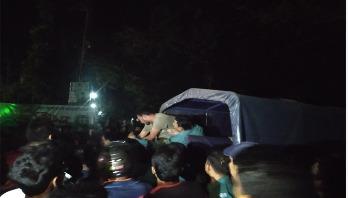 রাবি শিক্ষার্থীকে পুলিশের মারধর, কনস্টেবল প্রত্যাহার