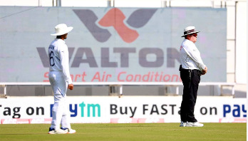 Umesh knocks over Mehidy, India close in