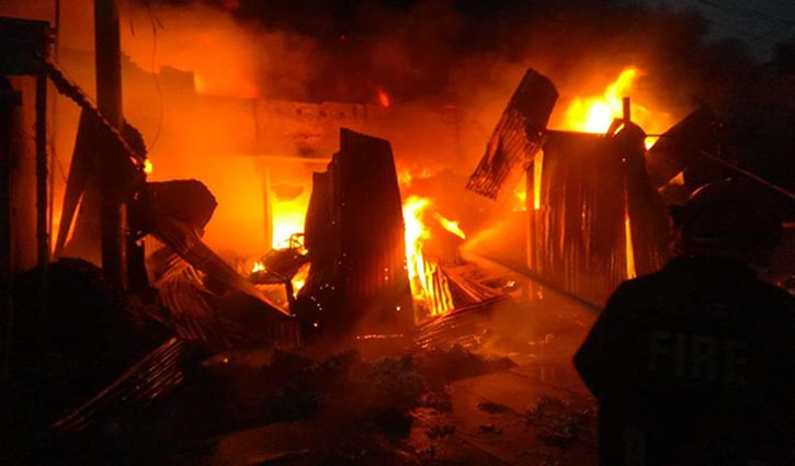 Six Jhut warehouses gutted in fire
