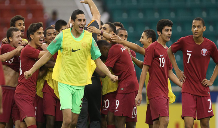 Large contingent of Qatar football team arrive in Dhaka