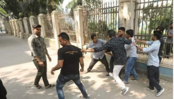 JCD men allegedly come under attack at DU
