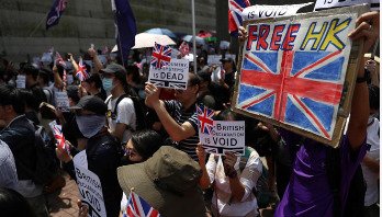 Hong Kong protesters rally for support at British Consulate