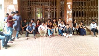 Fresh agitation halts JU admin activities