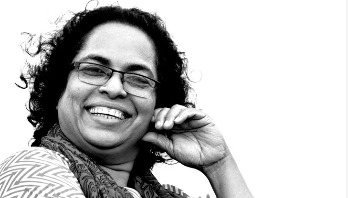 উদয়তারার আলো দিয়ে বোনা শাড়ি || পাপড়ি রহমান