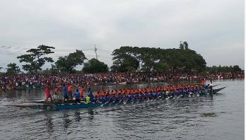 বাসাইলে নৌকা বাইচ প্রতিযোগিতা