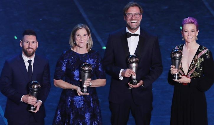 ছবিতে 'দ্য বেস্ট ফিফা ফুটবল অ্যাওয়ার্ড'