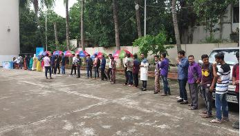 রাজশাহীতে 'মার্সেল হা-শো'র অডিশনে তরুণ-তরুণীদের ভিড়