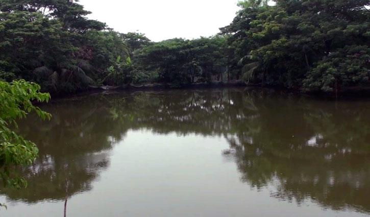 খাল অবমুক্ত: এলাকাবাসীর বিরুদ্ধে মামলা দিলেন দখলদার