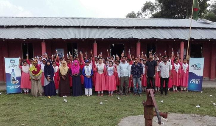 হাসিমনগরে নারী শিক্ষার আলো ছড়াচ্ছে যে স্কুল