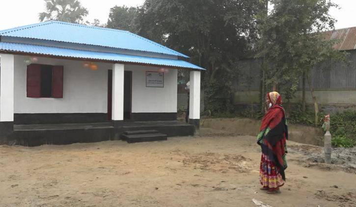 'আল্লাহ প্রধানমন্ত্রীকে খুব বালা রাহুক'