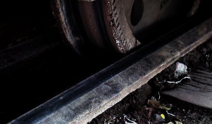 ঢাকা-না.গঞ্জ রুটে বগি লাইনচ্যুতি: স্বাভাবিক হয়নি ট্রেন চলাচল