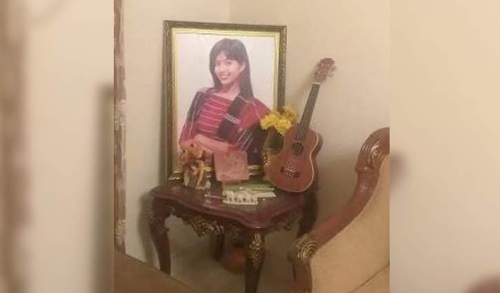 'সাজানো-গোছানো রুমে নেই শুধু অরিত্রী'