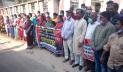 রাজশাহীতে অভিনেত্রী মীমের পরিবারের বিরুদ্ধে মানববন্ধন
