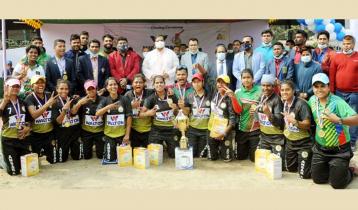 ওয়ালটন জাতীয় মহিলা পেসাপালো প্রতিযোগিতায় আনসার চ্যাম্পিয়ন